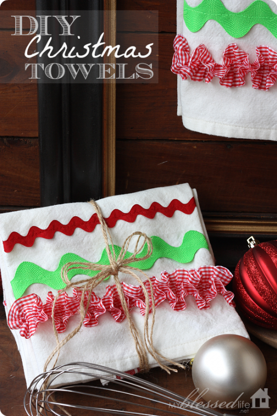 Easy DIY Ruffled Christmas Kitchen Dish Towel Free Sewing Pattern